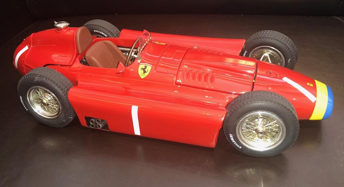 Ferrari D50 1956 Fertigmodell Maßstab 1:43 Die-Cast Metall